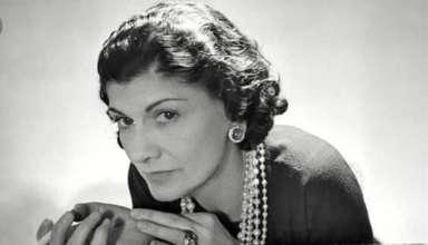 3 tinute istorice, care au definit stilul vestimentar Chanel